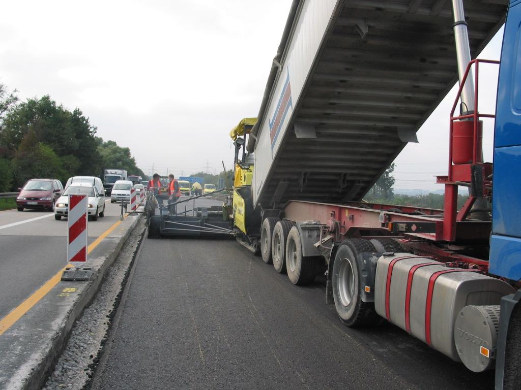 Autobahnen, Bundestraßen, Hauptverkehrsadern, wir liefern das richtige Material
